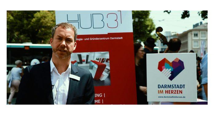 Michael Kolmer, Geschäftsführer von Darmstadts Technologie- und Gründerzentrum HUB 31,im Video