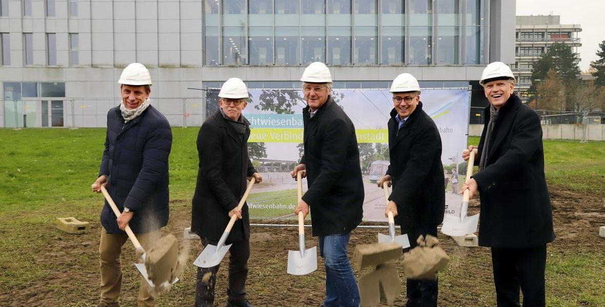 Header Bild Spatenstich für die neue Linie 2 auf dem TU-Campus Lichtwiese