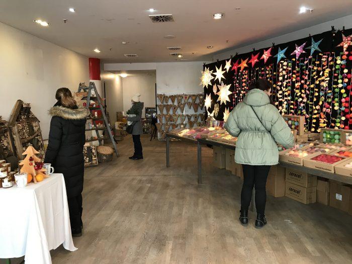 """Initiative """"einLADENd"""" eröffnet ersten Weihnachts-Pop-Up-Store"""