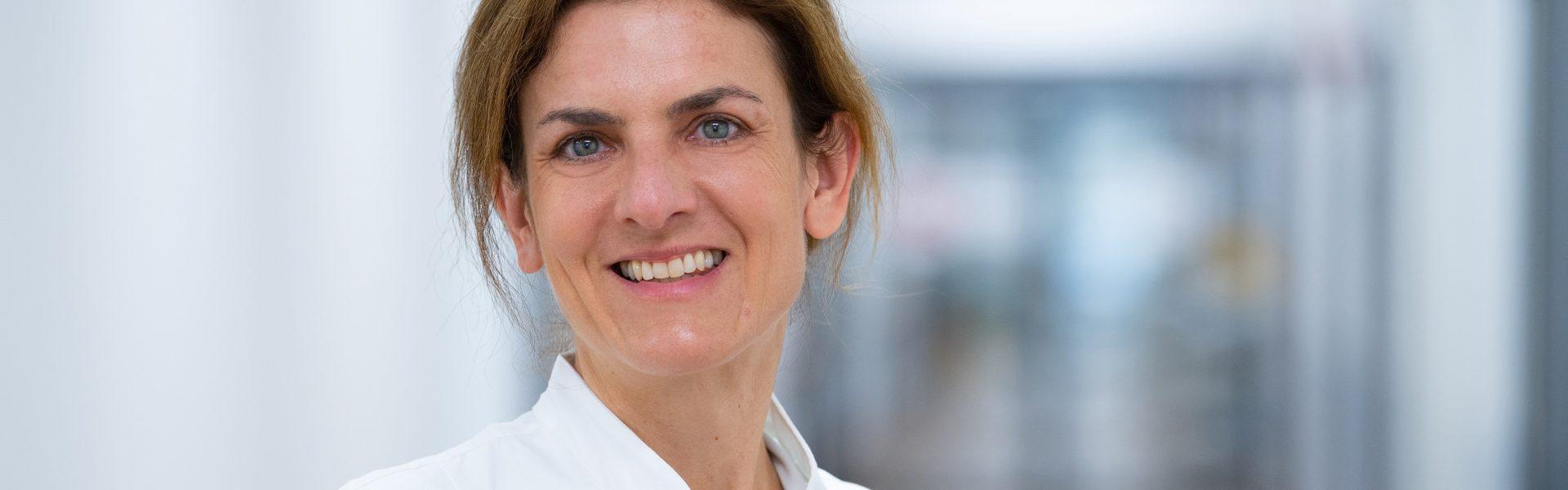 """Header Bild Dr. Maike Manz ist die neue Vorsitzende der Sektion """"Klassische Geburtshilfe"""""""
